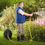 Полив садовых растений: советы садоводам